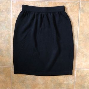 St. John Santana Knit Basic Skirt size 4